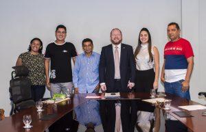 Othelino Neto garante apoio à celebração dos 65 anos do Colégio Pinheirense