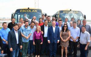 Governador Flávio Dino entrega ônibus escolares a 11 municípios e reforça política de apoio à educação