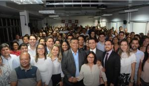 Flávio Dino entrega Conecta SUS e mais cinco ambulâncias em apoio aos municípios