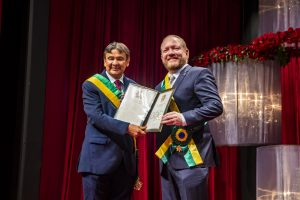 Presidente Othelino Neto é homenageado pelo Governo do Piauí