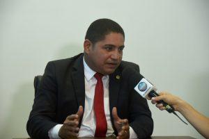 Zé Inácio destaca lei de sua autoria que estabelece feriado no Estado em 20 de novembro