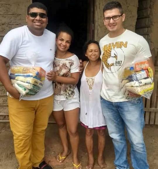 Coordenador do Viva/Procon de Pinheiro distribui cestas de alimentos para famílias carentes