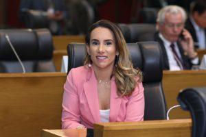 Thaiza Hortegal pede equipamento para Hemomar de Pinheiro